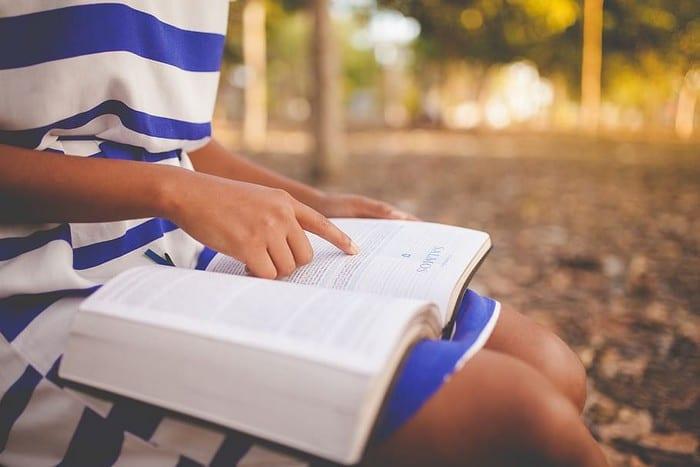 iPadOS 14 - Agregar / eliminar un sitio a su lista de lectura