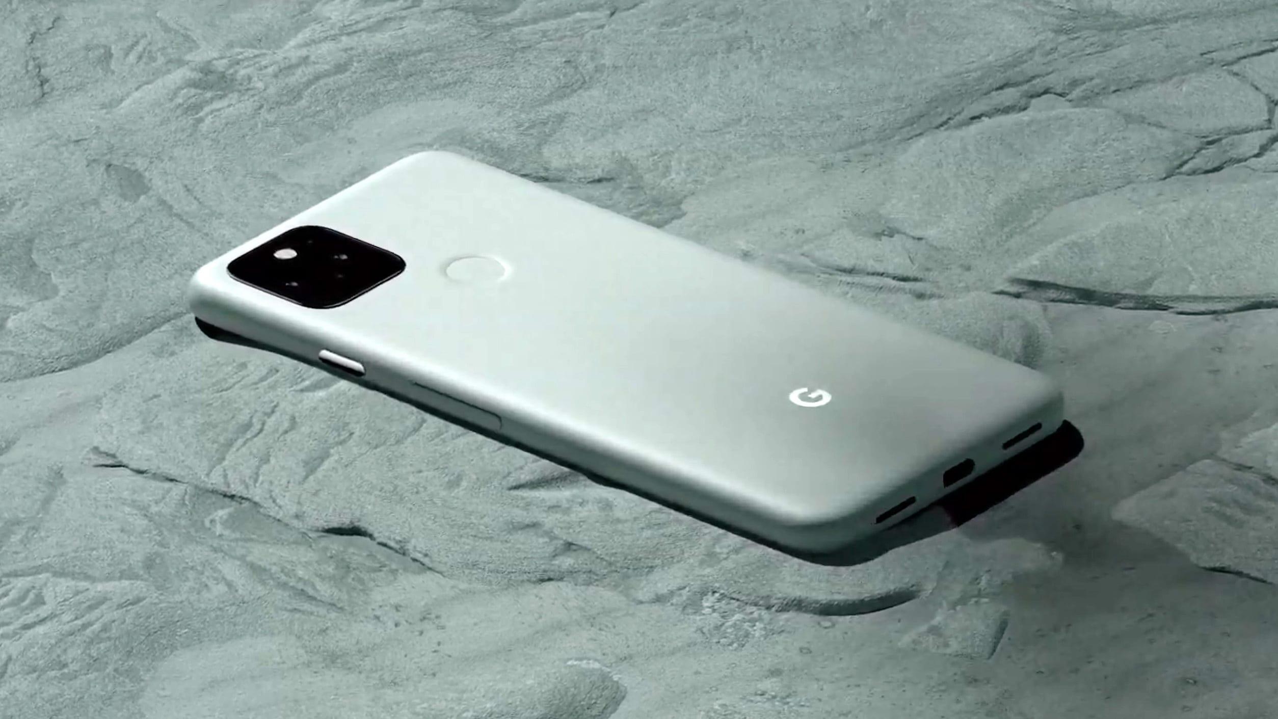 ¿El Pixel 5 tiene un conector para auriculares?